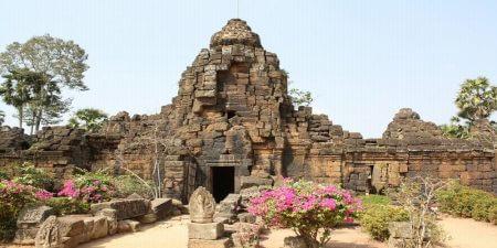 onle-Bati-Phnom-Chisor-Temple