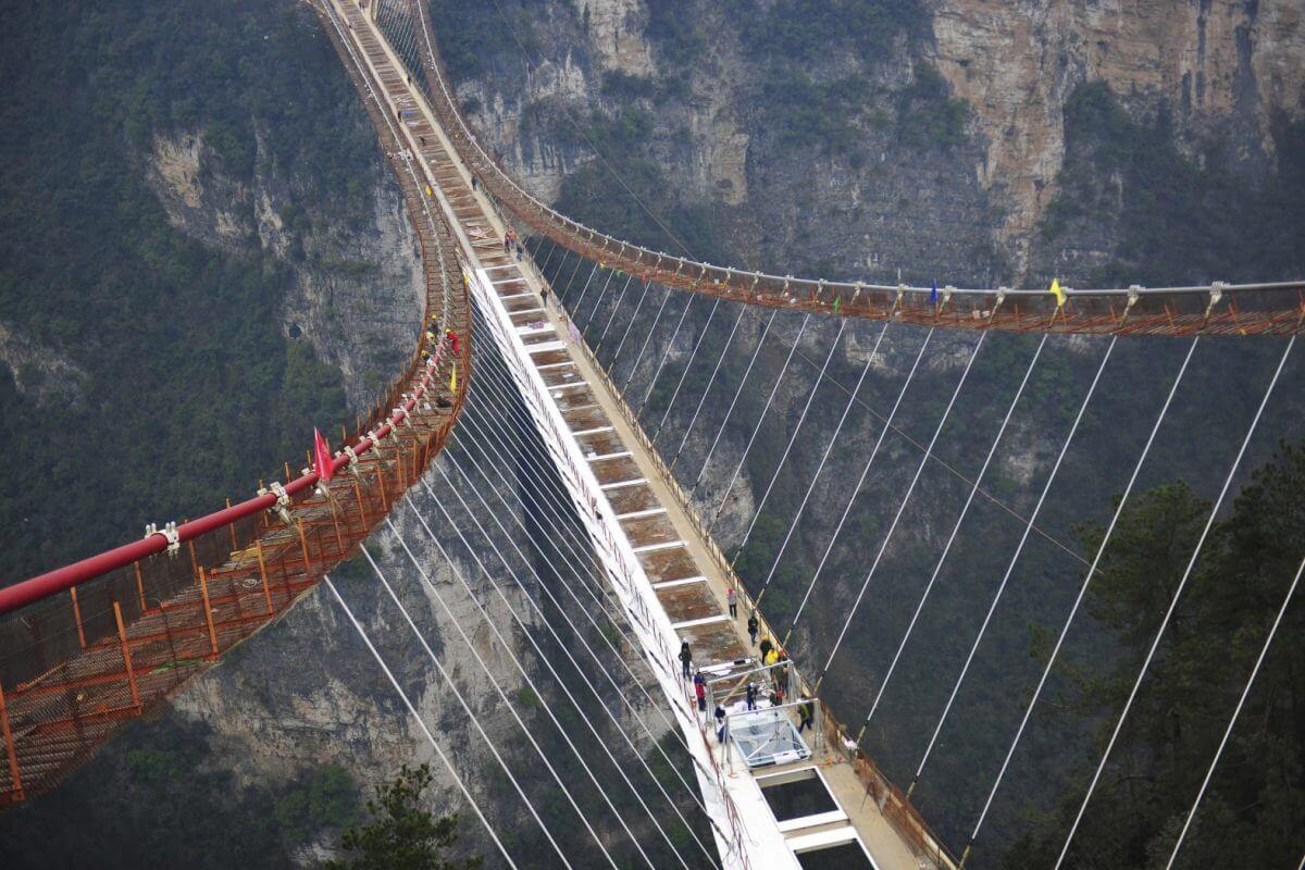 Yunnan-Scenic-Bridge