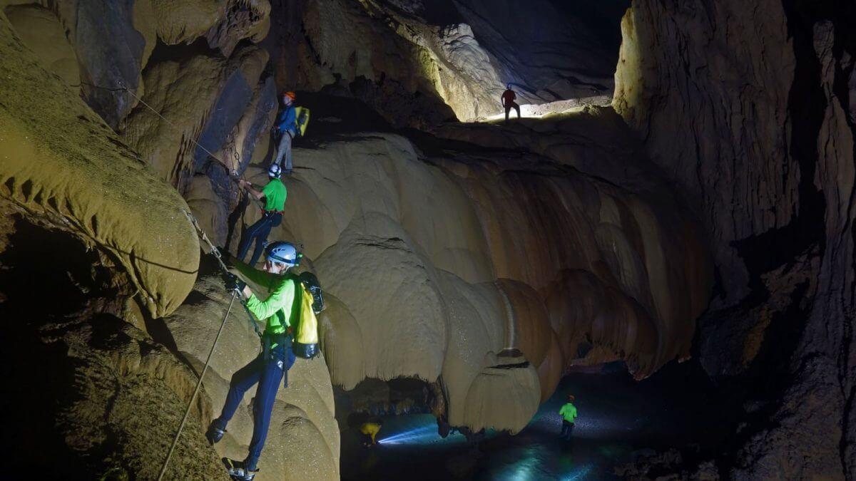 Hang Va climbing adventure trip